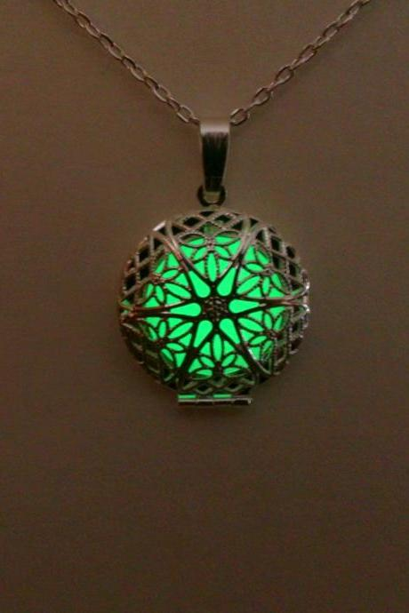 Green Glow in the Dark Necklace - Glowing Pendant - Glow Jewelry - Glowing Necklace - Anniversary Gift - Christmas Gift - Gifts for Her