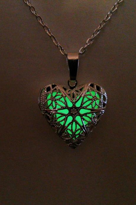 Green Glow in the Dark Necklace // Glowing Heart Pendant // Filigree Glow Jewelry // Teen Gift// Gifts for Her // Christmas gift