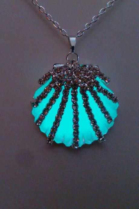 Aqua Glowing Seashell Necklace - Glow In The Dark Shell Pendant - Necklace For Women - Birthday - Christmas Gift - Gifts For Her