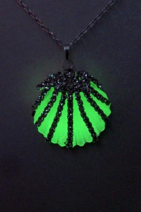 Green Glow Necklace - Seashell Glowing Pendant - Glow In The Dark Shell - Pendant for Women - Birthday - Christmas - Gifts for her